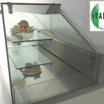 vetrina refrigerata: vista laterale in primo piano