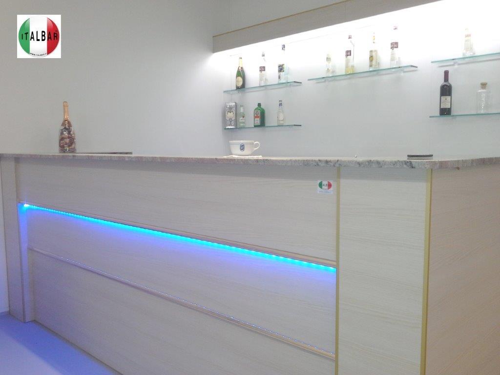 Banco Bar Multicolor cm.300 + retrobanco, portabottiglie e pedana: €. 5.400+iva