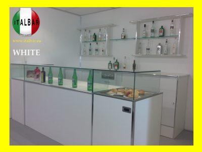 Banco Bar White con vetrina cm. 300 + retro banco, portabottiglie, pedana: €.7.500+iva